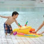【ママの悩みを解決】赤ちゃんが水遊びするときのおむつはどうする?